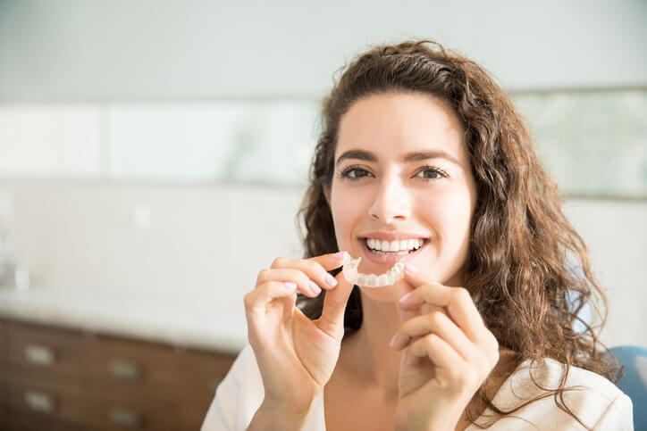 Tips For Keeping Your Retainer Or Aligners Safe